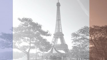 iStock_000044609154XXXLarge---B+W_SMALL_PARIS_TRIBUTE2